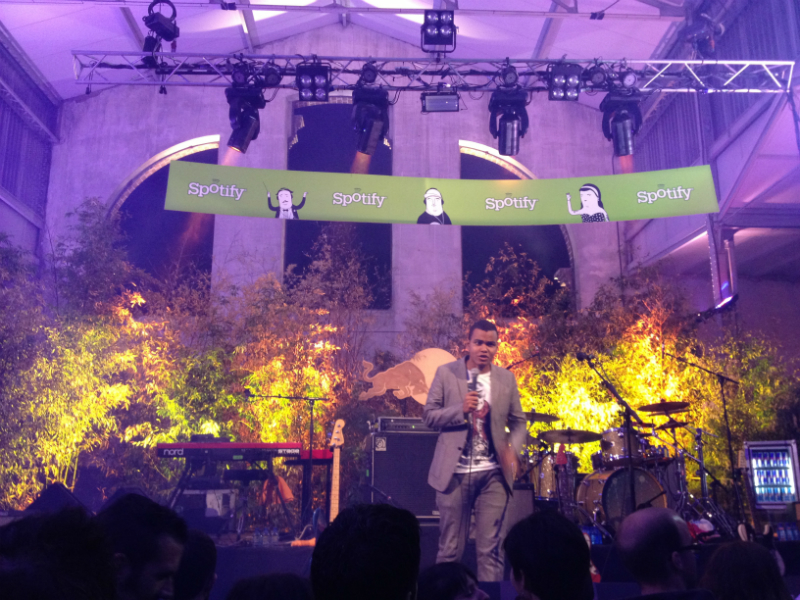Presentando a Love of Lesbian en la Spotify Party