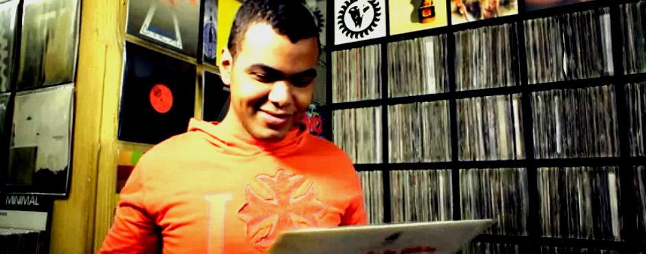 Sigre y Arturo Paniagua buscan canciones que hayan cambiado el mundo